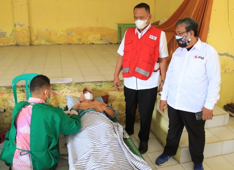Wabup Meninjau Donor Darah di Balai Pekon Pagelaran